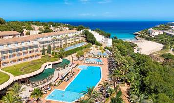 TUI KIDS CLUB Cala Mandia